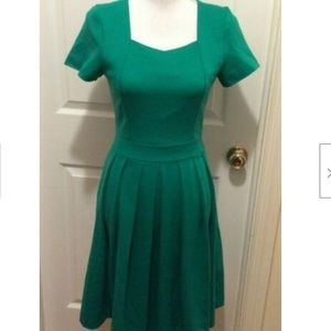 Yellowberry Dress XS Emerald Green Short Sleeve